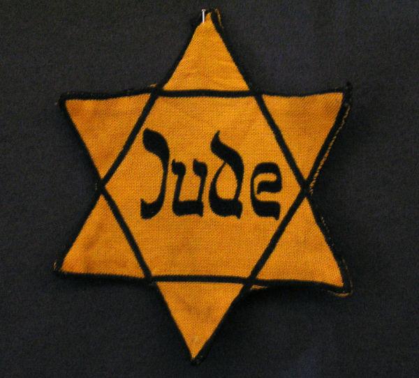 Estrela de Davi, um símbolo judeu, utilizado pelos nazistas para identificar os judeus alemães.
